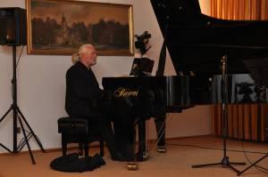 W. Gogolewski